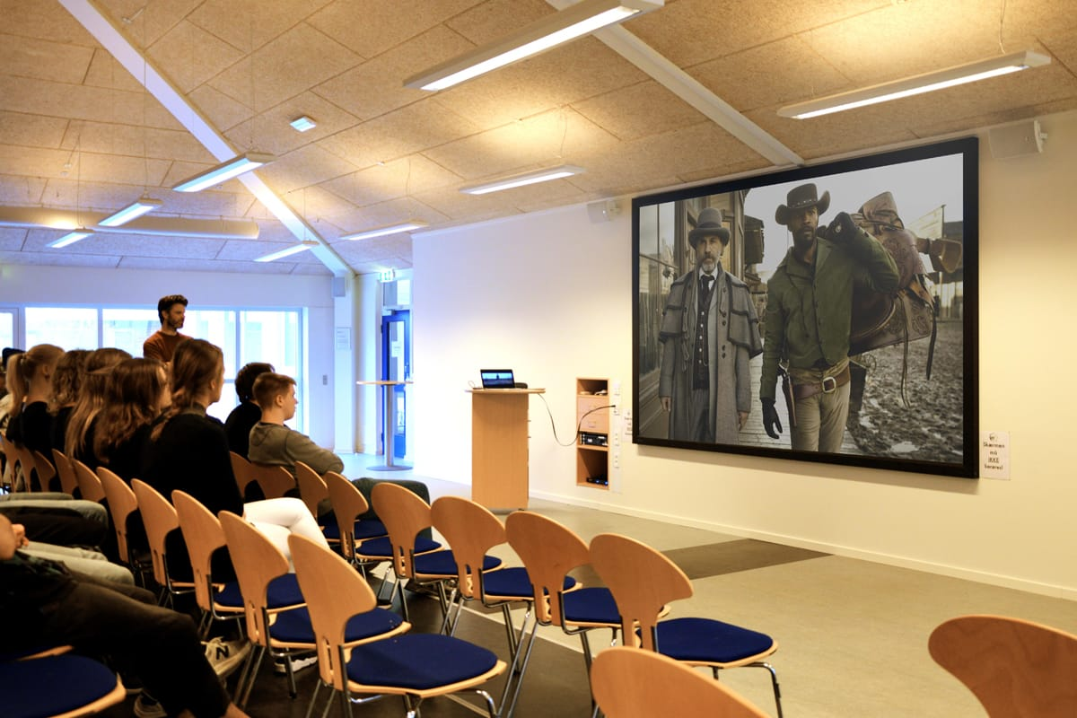 Education - Lecture Theatres_VDL-Visual_Displays_dnp_SN_XL_school_dk2