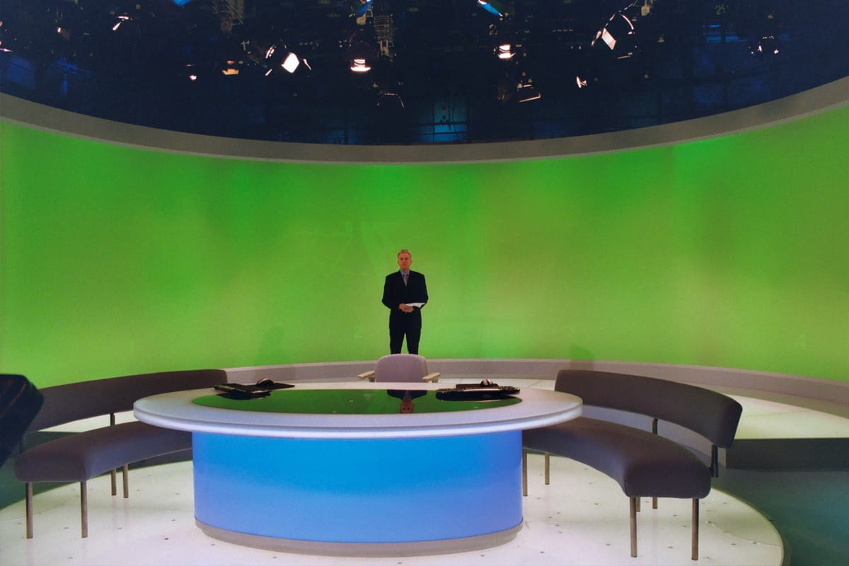 Broadcasting_ITN news studio - curved screen
